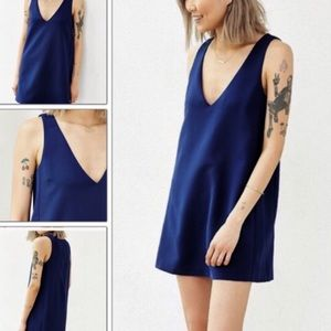 Love Sadie v neck shift dress